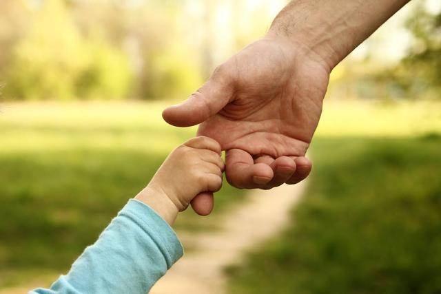張柏芝大兒子沒有繼承父母美貌越長越殘,反是二兒子越來越有星相, 尋夢新聞